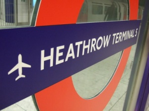 Heathrow_terminal_5_tube_sign